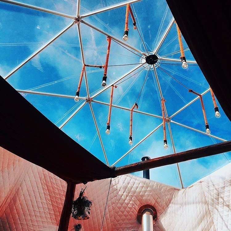 Transparent ceiling of the igloo