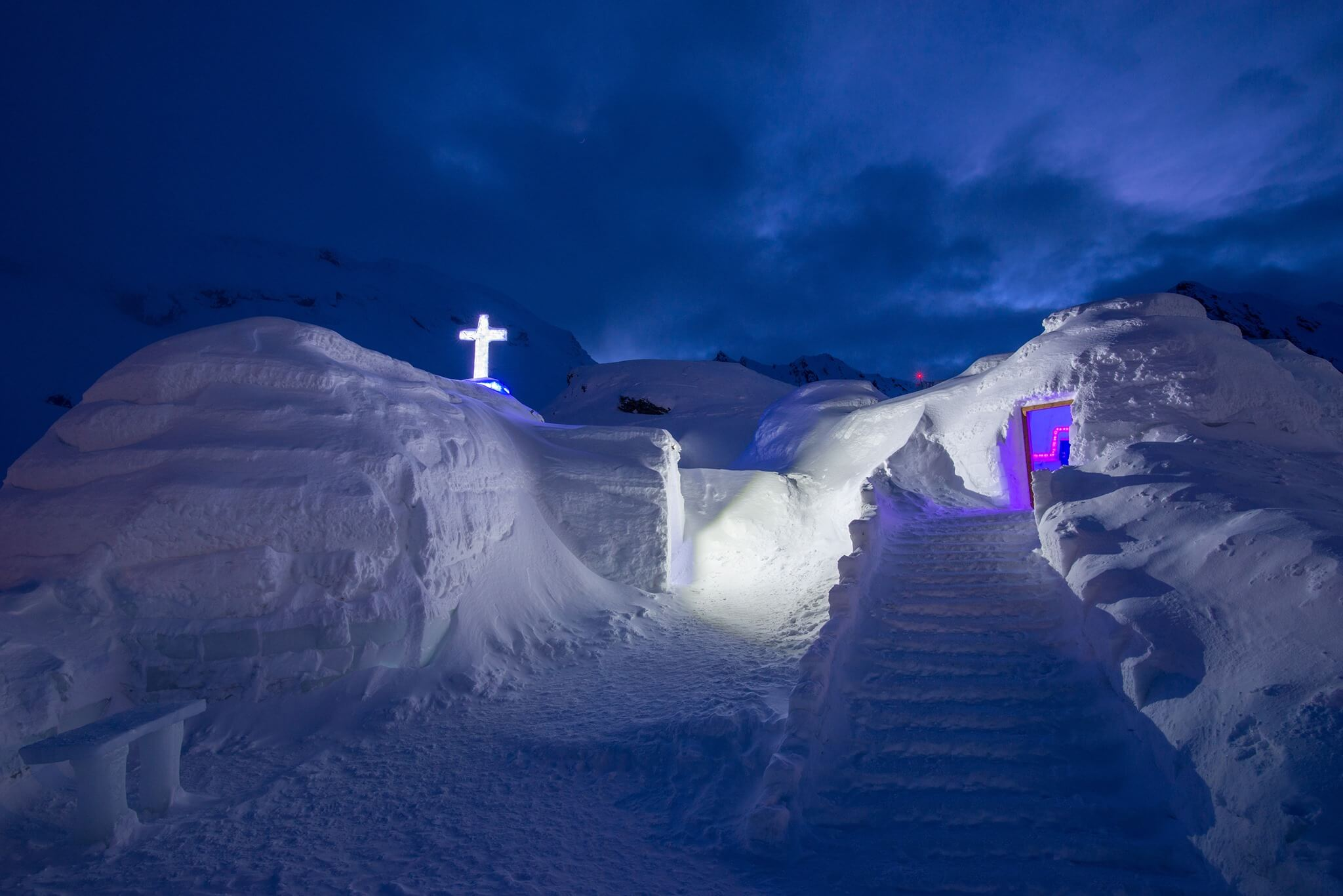 Entrance in the ice hotel from Romania