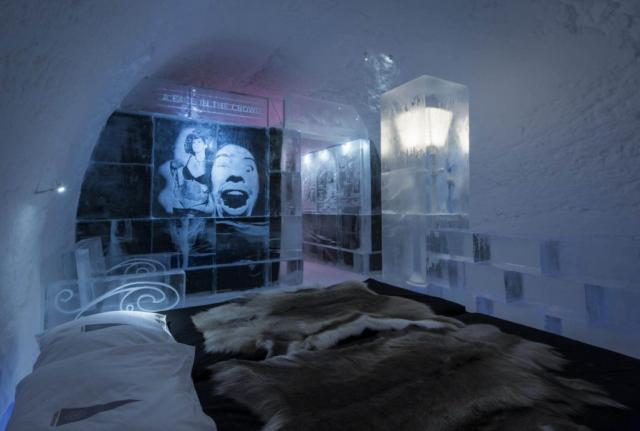 Design inside an ice suite in Icehotel Jukkasjärvi