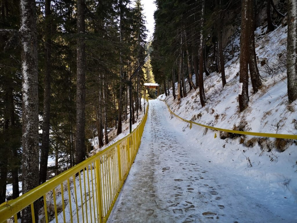 Road from the entrance to the Monastery and Cave