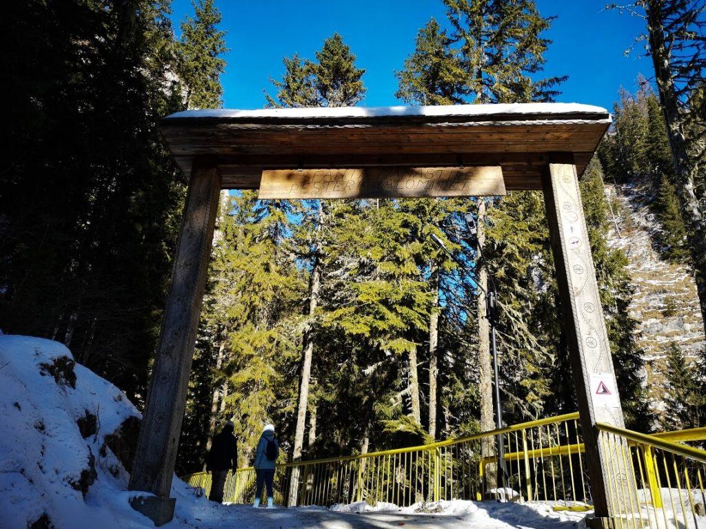 Entrance gate to Ialomita Monastery and Ialomita Cave