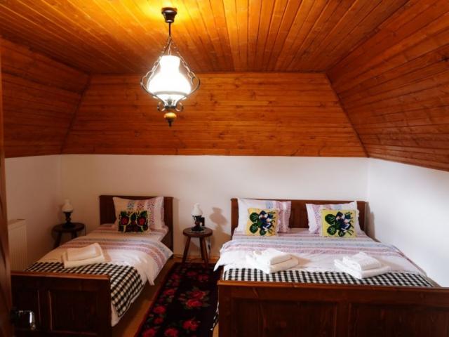 triple room at Casa din Susani, Maramureș, Romania