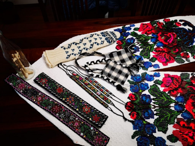 Hand made souvenirs from Casa din Susani