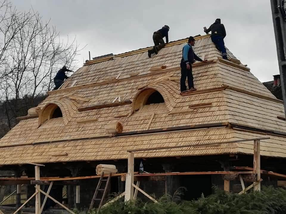 Casa din Susani - the roof restoration