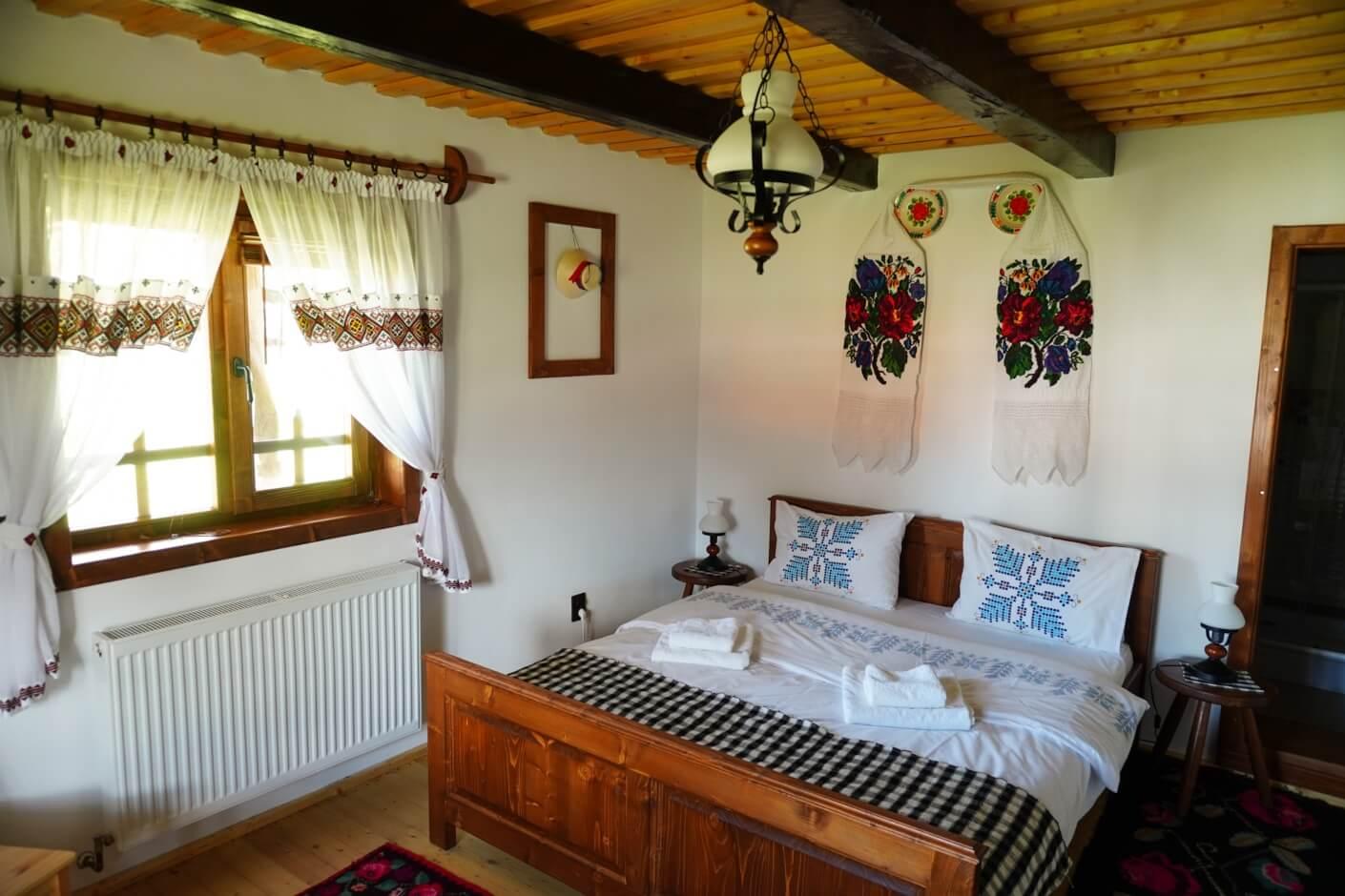 double room at Casa din Susani, Maramureș, Romania